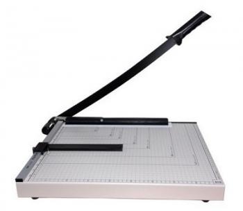 Bàn cắt giấy Deli 8012 (A3)